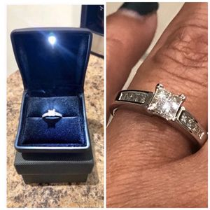 14k White Gold .80ctw Princess Cut Quad Diamond Engagement Ring SIZE 7 for Sale in Newark, NJ
