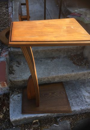 2 end tables - Free - pick up on driveway 1505 Pine Street Martinez for Sale in Martinez, CA