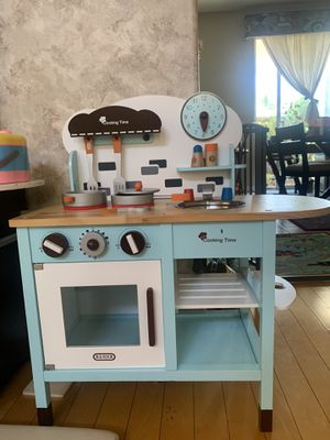 Kids kitchen set for Sale in Fullerton, CA