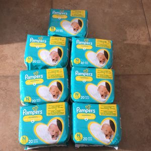 Pampers Newborn Diapers 140 Count for Sale in South Gate, CA