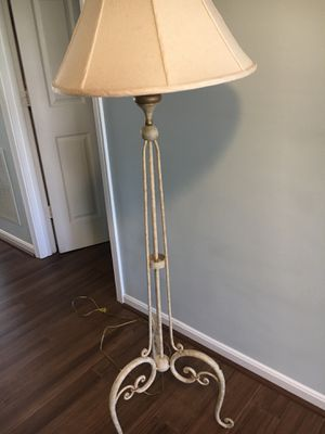 French Country Style Lamp (Ethan Allen) for Sale in Ashburn, VA