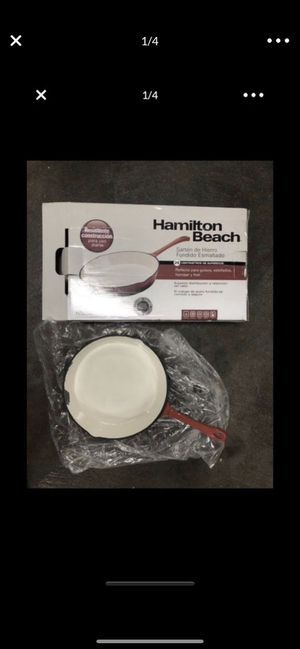 """Hamilton Beach 10"""" enameled solid cast iron frying pan skillet, red for Sale in Tacoma, WA"""