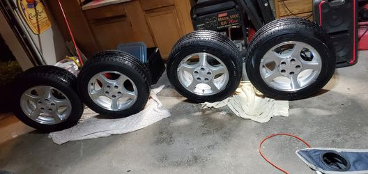 New edge mustang stock rims and tires for Sale in Tinley Park,  IL