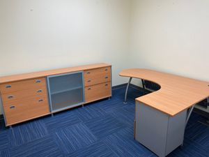 Office desk and cabinet for Sale in Davie, FL