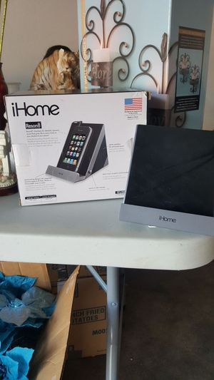 Stereo speaker for ipad, iphone or other audio devices for Sale in Phoenix, AZ