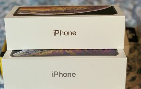 2 IPHONE XS MAX 64GB SPACE GRAY / SILVER