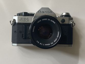 Canon AE-1 program and 50mm lens Mint condition for Sale in Santa Clara,  CA