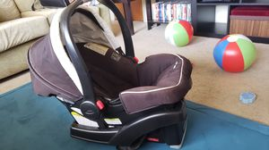Graco car seat with base for Sale in San Diego, CA