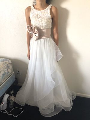 Beautiful dress for Sale in Fort Myers, FL