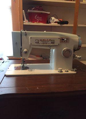 White brand sewing machine model 565 for Sale in Ypsilanti, MI