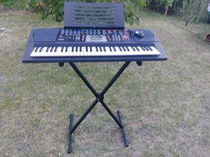Newer Casio CHK 501 Keyboard Piano Electric for Sale in Las Vegas, NV