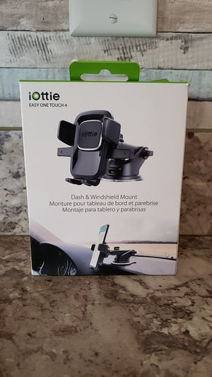 Iottie dash and windshield mount for Sale in Ruskin, FL