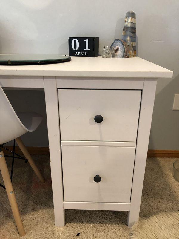 White new desk