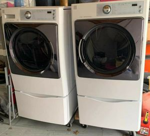 Kenmore elite washer and dryer for Sale in Clarksville, TN