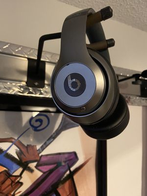 Beats Studio Wireless Headphones Like New for Sale in Tampa, FL