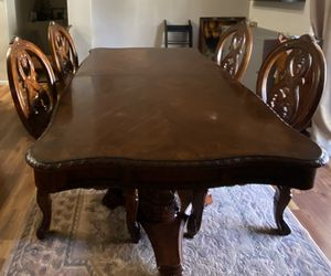 Dining table for Sale in Pumpkin Center, CA
