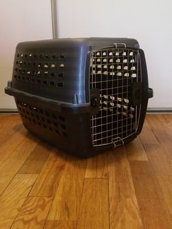 Petmate Pet Kennel for Sale in Seattle,  WA