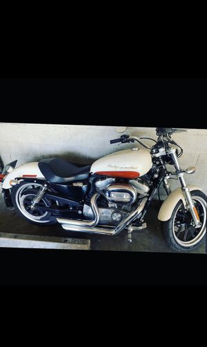 2011 Harley-Davidson super low 883 sportster for Sale in Los Angeles, CA