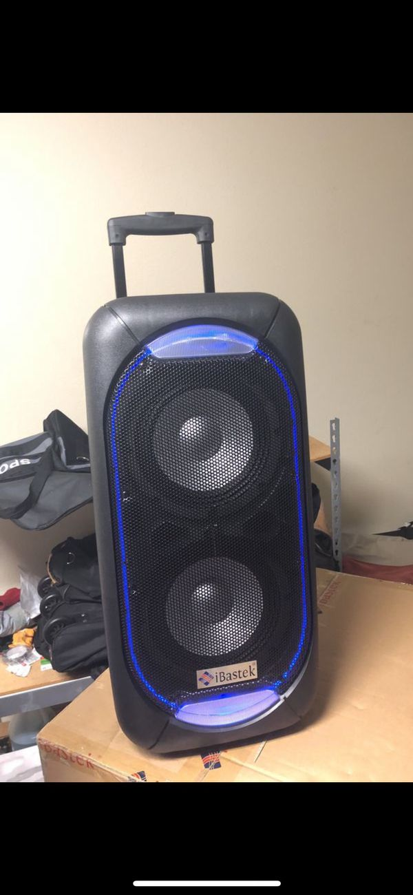 Very loud brand new in the box microphone and remote control included.