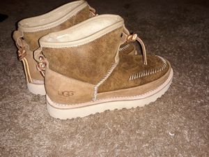 Women's uggs boot size 6 need to sell for Sale in Aurora, CO