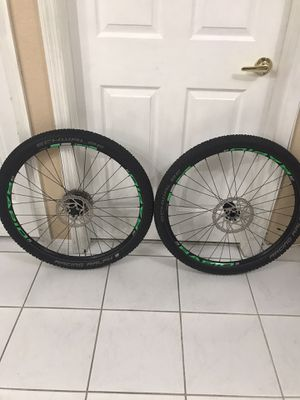 Cannondale lefty STANS NOTUBES TUBELESS 27.5 wheel-set with schwalbe racing Ralph Performance tires 27.5 x 2.10 EXCELLENT CONDITION $260 for Sale in Hialeah, FL