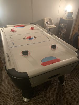 7ft Air Hockey Table for Sale in Highland Charter Township, MI