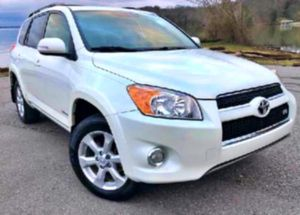 No low-ball offers 2010 RAV4  for Sale in Milwaukee, WI