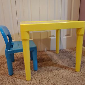 kids plastic table and chair for Sale in Wheeling, IL