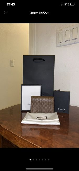 GUCCI WALLET for Sale in Corona, CA