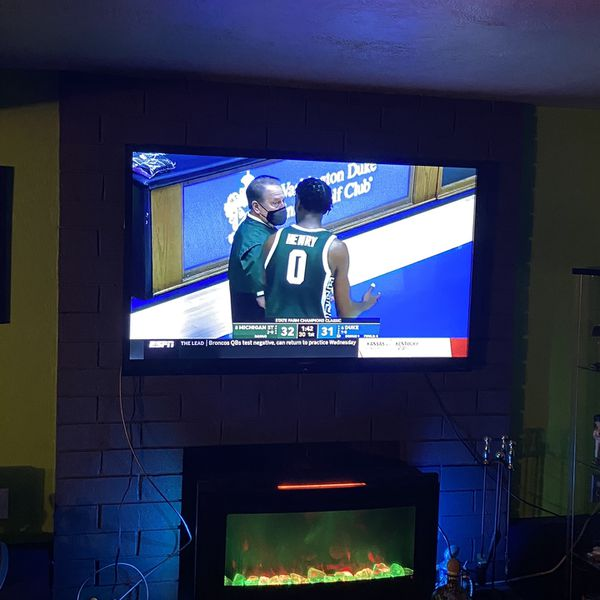 Sharp Aquos 60 inch Tv