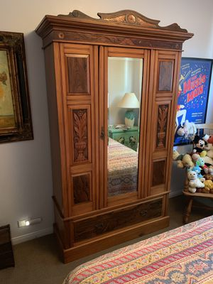 Antique Armoire Excellent Condition for Sale in Los Angeles, CA
