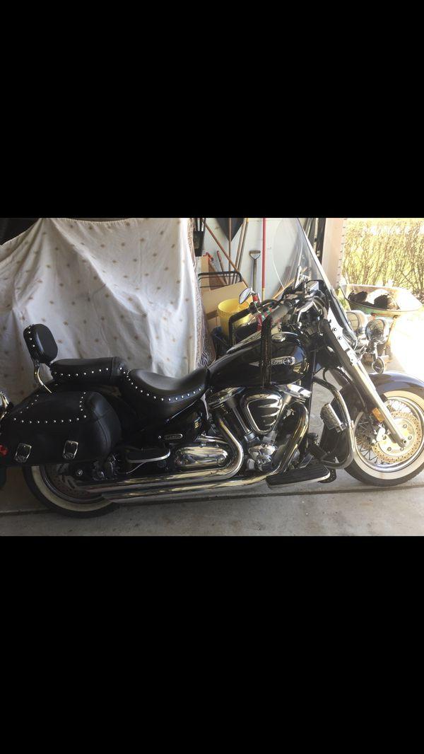 Motorcycle 2001 Yamaha Road star