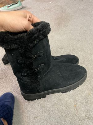 Girls boots like new size 4/5 $5 for Sale in Johnston, RI