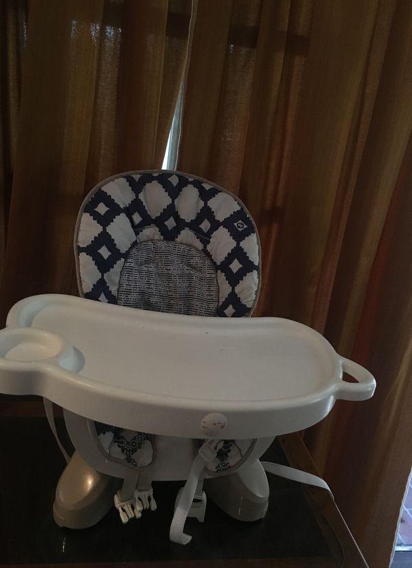 Kids portable chair $20