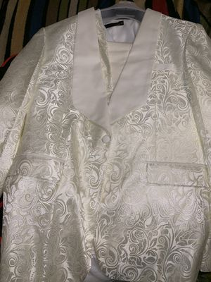 Ivory formal dinner jacket w/ matching vest for Sale in Fort Washington, MD