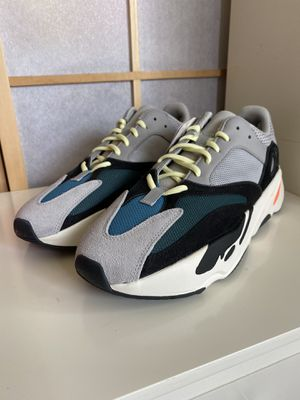 Yeezy 700 Boost Wave Runner Size 10.5 for Sale in East Los Angeles, CA
