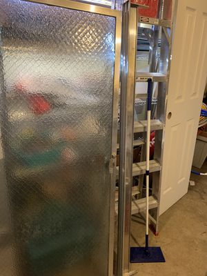 Free shower door for Sale in Tacoma, WA