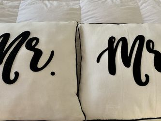 Mr. & Mrs. pillows for Sale in Salinas,  CA
