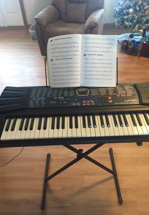 Casio LK-30 Keyboard 100 song bank Working Great for Sale in Geneva, OH