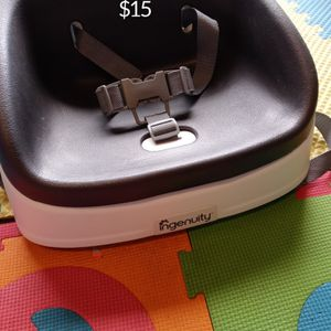 Ingenuity Booster Seat - Located in Branford for Sale in Branford, CT