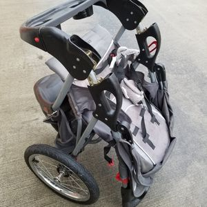 Baby Trend JOGGER STROLLER for Sale in Houston, TX