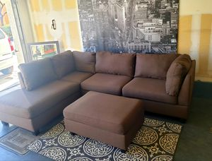 Nice brown sectional sofa with ottoman • Great condition • Free delivery for Sale in Las Vegas, NV