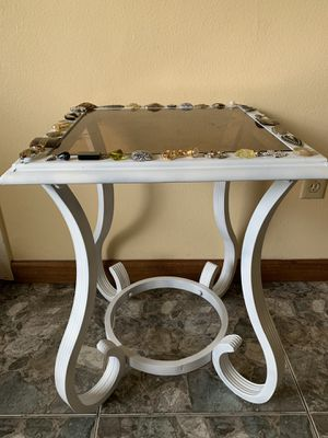 Mesita Antigua!! Antique Table for Sale in Houston, TX