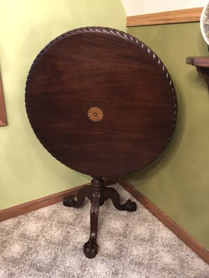 Antique English Tilt top. Walnut Inlay in center. Beautiful for Sale in Northport, MI