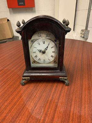 Antique clock for Sale in Newark, NJ