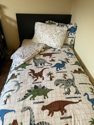 Dinosaur twin bedding with sheets for Sale in Glendora, CA