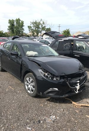 Selling parts for a black 2014 Mazda 3 STK#1353 for Sale in Detroit, MI