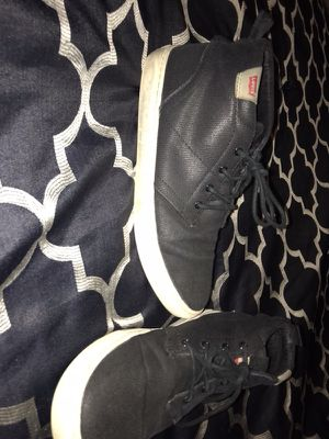 Men's Levi's Chukka Style Shoes 9.5 for Sale in Houston, TX