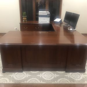 Executive U Shaped Desk for Sale in St. Charles, IL