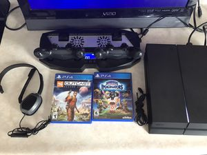 Matte Black 500 GB PS4 BUNDLE $260 firm for Sale in Indianapolis, IN